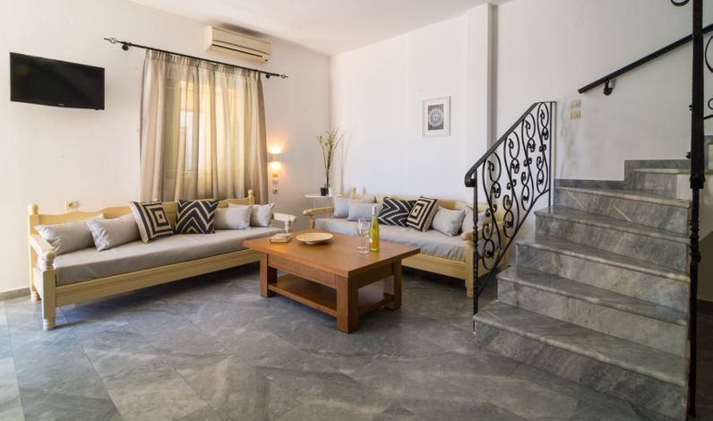 Harbour Studios Palaiochora, Chania, 73001, Greece low price